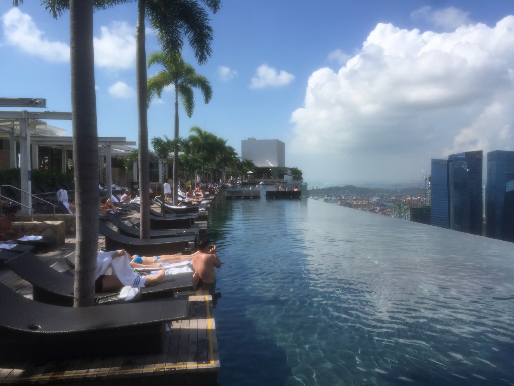 Marina bay sands rooftop in singapore the rooftop guide - Marina bay sands resort singapore swimming pool ...